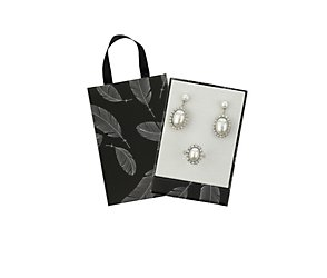 Pearl and crystal earring and ring gift box