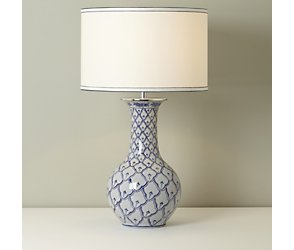 Willow vase table lamp